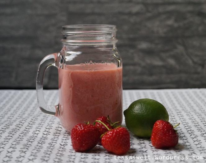 ErdbeerAnanasSmoothie2